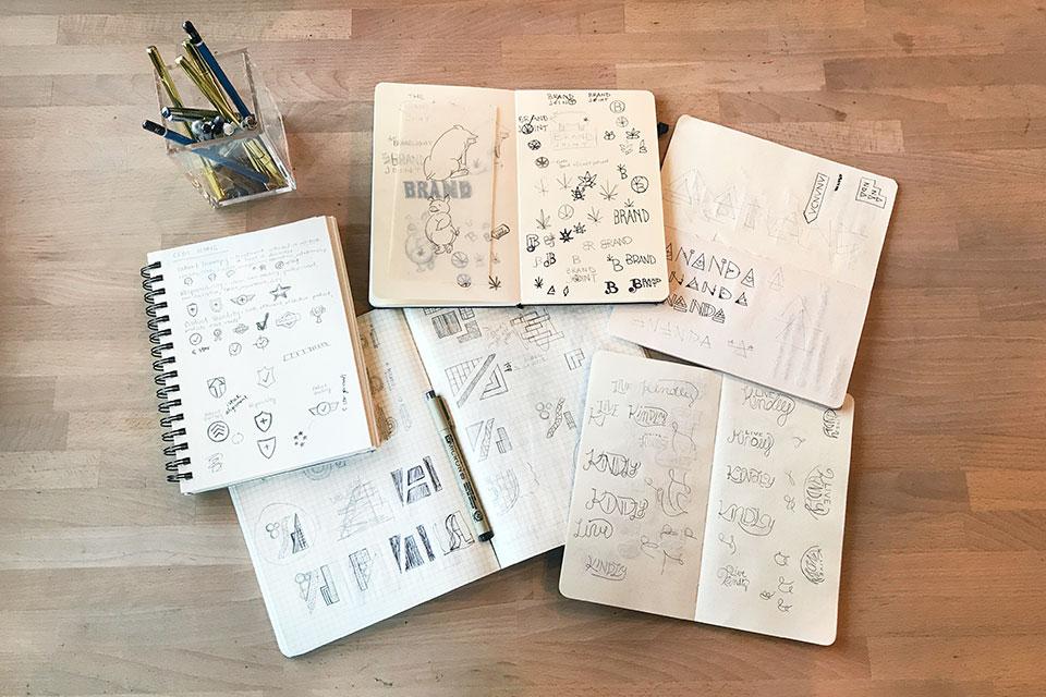 logo-design-sketching